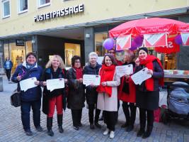 Infostand AsF-Regensburg Aktionstag Bessere Finanzierung von Frauenhäusern