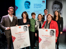 Preisträgerinnen mit LaudatorInnen