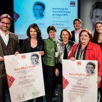 Florain Pronold, Iris Berben, Usel Kirmeier und Micky WEnngatz während der Toni Pfülf Preisverleihung im Einsteinkultur
